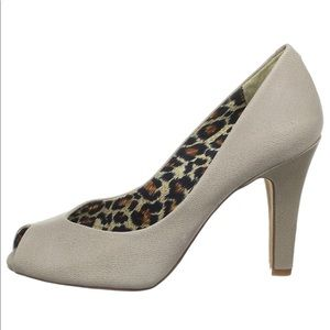 Jessica Simpson peep toe heels - NEW SZ 11